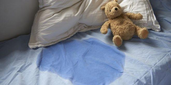 علت شب ادراری کودکان و راههای درمان