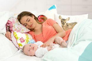 فواید شیر مادر برای نوزاد و مادر