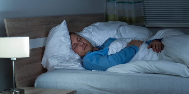Man-sleeping-dreaming خواب دیدن