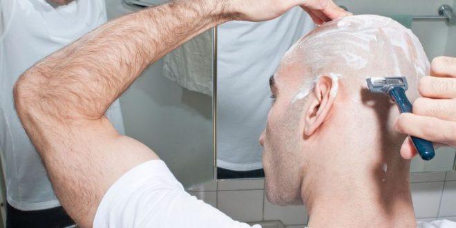 تیغ زدن و تراشیدن موها