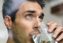 نکاتی در مورد نوشیدن آب از دیدگاه طب سنتی