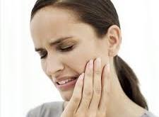 حساسیت دندان دردناک است