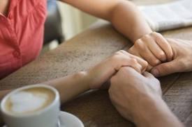 چگونه به همسرتان اعتماد کنید؟