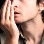 علل و درمان بوی بدن دهان