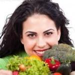 آشنایی با خوراکی هایی که برای تقویت و سلامت مو مفید هستند