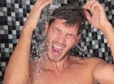گرفتن دوش آب سرد سیستم ایمنی بدن را تقویت می کند