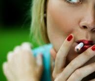 زنان هر چه بیشتر سیگار بکشند ، درد بیشتری حس می کنند