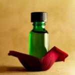 روغن گل رز، تقویت کننده پوست