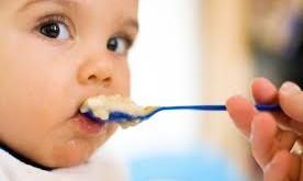 كودك را به زور وادار به خوردن غذا نکنید!