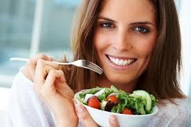 آشنایی با غذاهای مناسب برای رشد مو