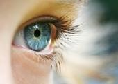 دليل تفاوت رنگ دو چشم يك فرد چيست؟
