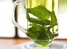 چه افرادی نباید چای سبز بنوشند؟