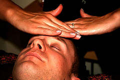 آيا از خواص ماساژ با رايحه درماني چيزي شنيده ايد ؟