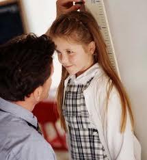 علل کوتاهی قد در کودکان و راههای درمان آن