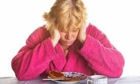 خوردنیهایی که باعث افسردگی میشوند