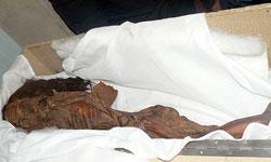 جسد دختر بچه موميايي شده در اصفهان كشف شد !