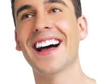 چند روش طبیعی برای سفید کردن دندان