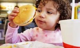 مصرف فست فود ها به کبد کودکان آسیب می رساند