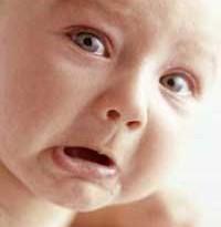 دفع مدفوع در نوزاد و روش تميز كردن آن